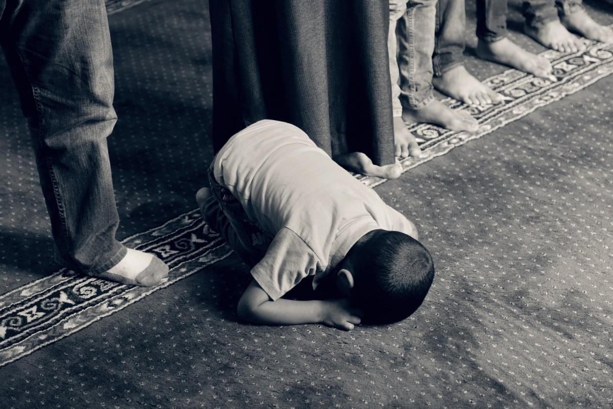 """Hollanda'da bir camiye """"Müslümanlar diri diri yakılmalıdır"""" mektubu"""