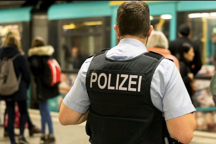 Enfeksiyon yasası eylemine polis müdahalesi: 40 gözaltı