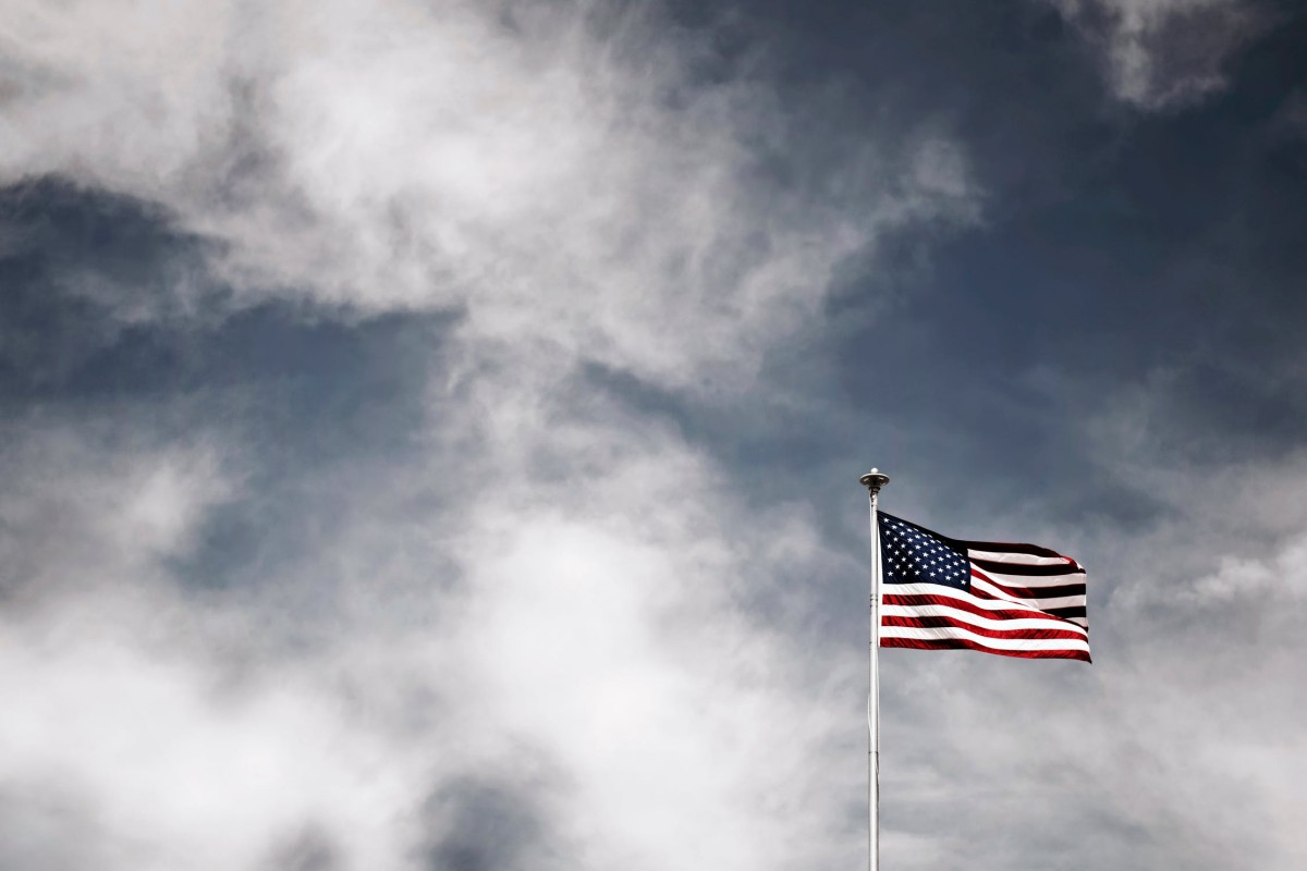 Amerika üzerinde kara bulutlar