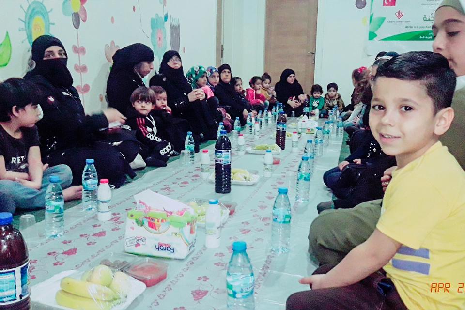 DİTİB cami dernekleri Afrin'de her gün 200 kişiye iftar veriyor