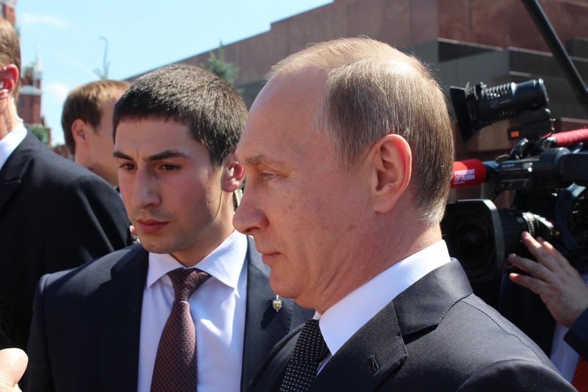 Putin'den Sputnik V yorumu: Kalaşnikof kadar güvenilir!