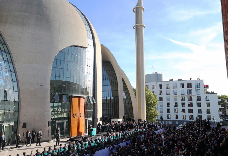 Köln Merkez Camii'inde Korona Aşısı