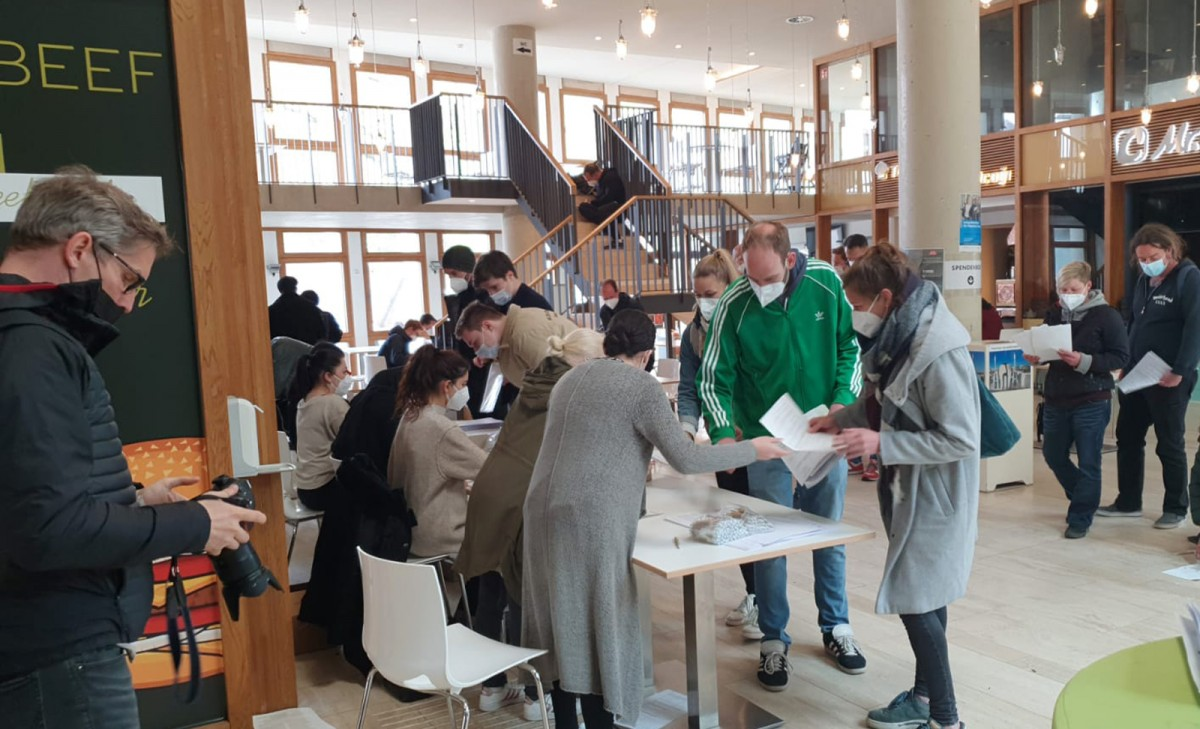 Köln DİTİB Merkez Camii'nde 1450 kişiye Kovid-19 aşısı yapıldı
