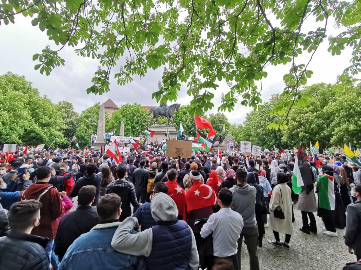 Stuttgart'ta İsrail'e lanet yağdı
