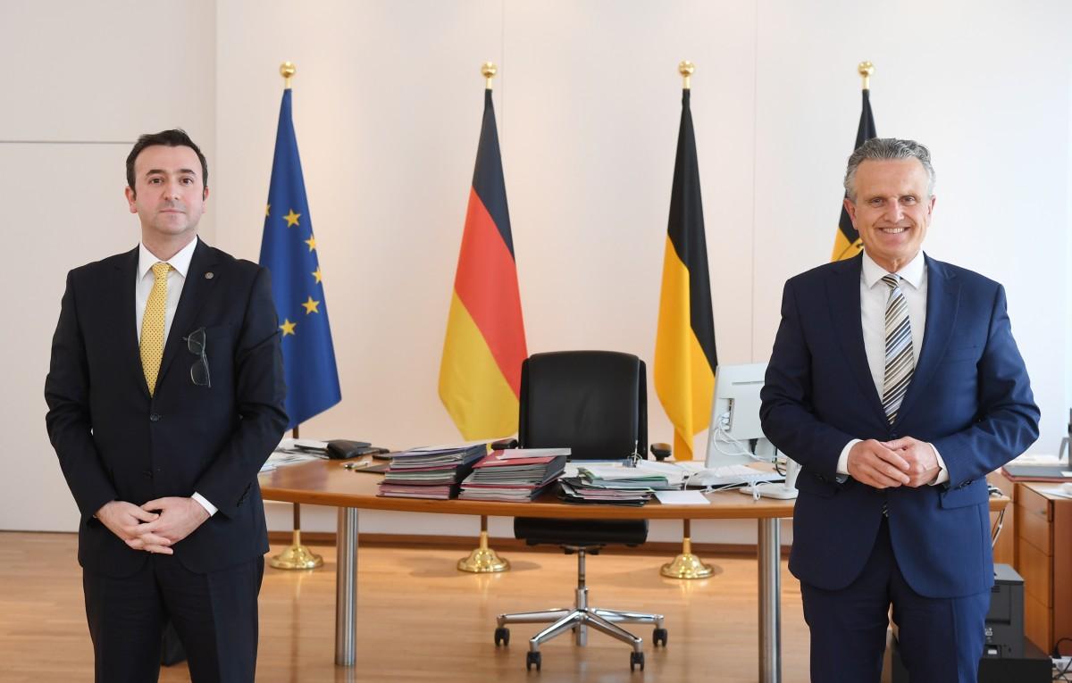 Başkonsolos'dan Stuttgart Belediye Başkanına önemli ziyaret