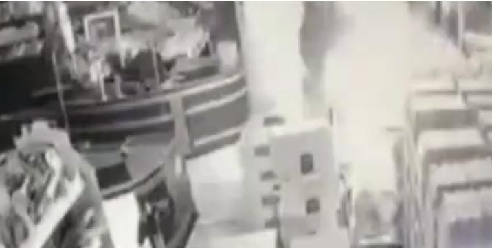 KRW'de Türklere ait bir süpermarket kundaklandı