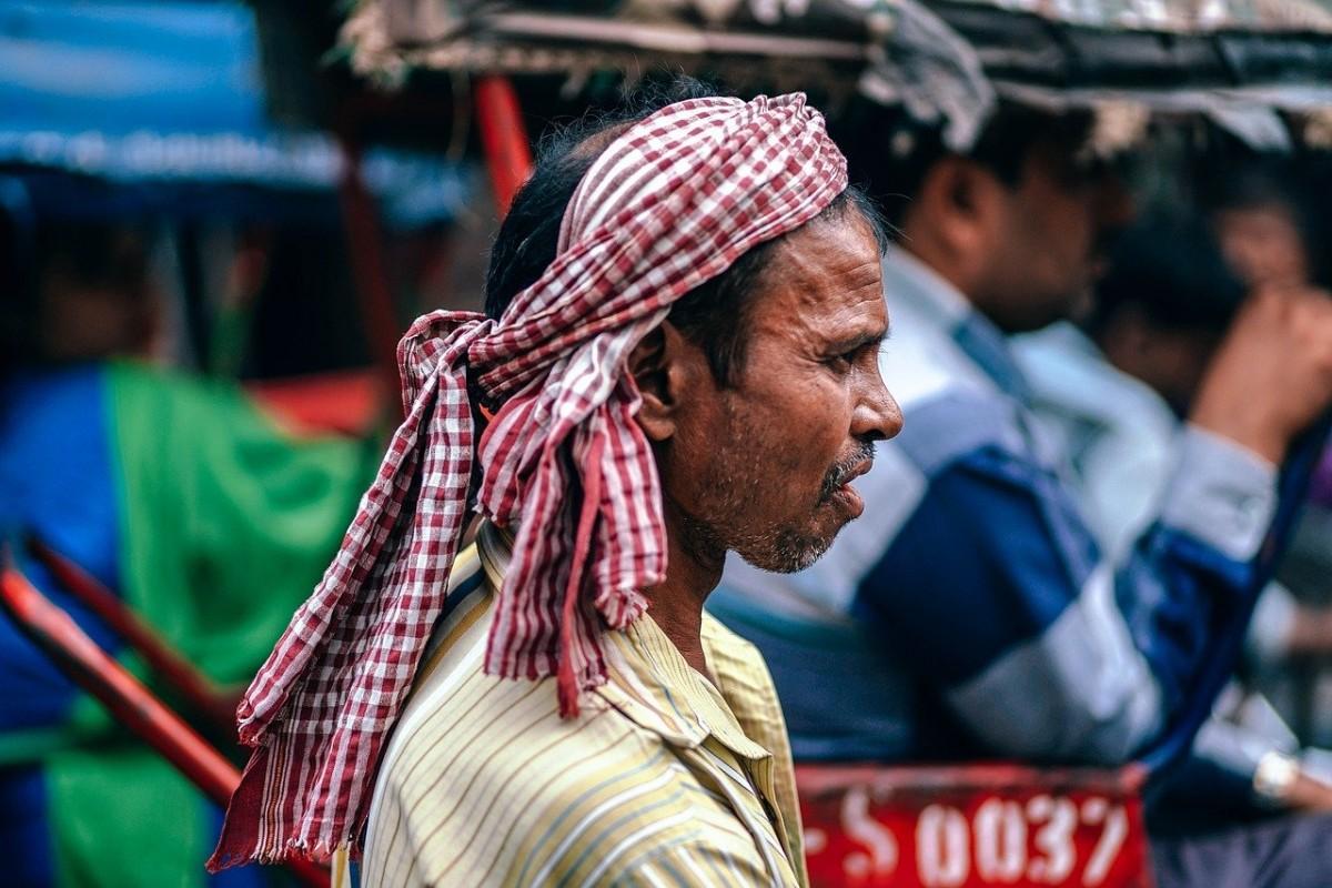 """Hindistan'da bu kez """"kara mantar"""" virüsü: Hastaların gözleri çıkartılıyor!"""