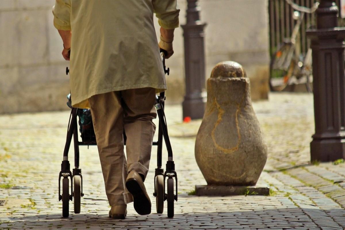 Başvurunun zor ve karışık olmasından dolayı binlerce emekli yardım alamıyor