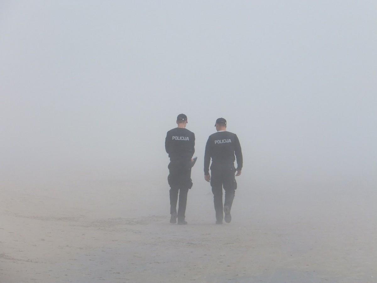 Fransa'da karakola bıçaklı saldırı: 1 polis yaralandı