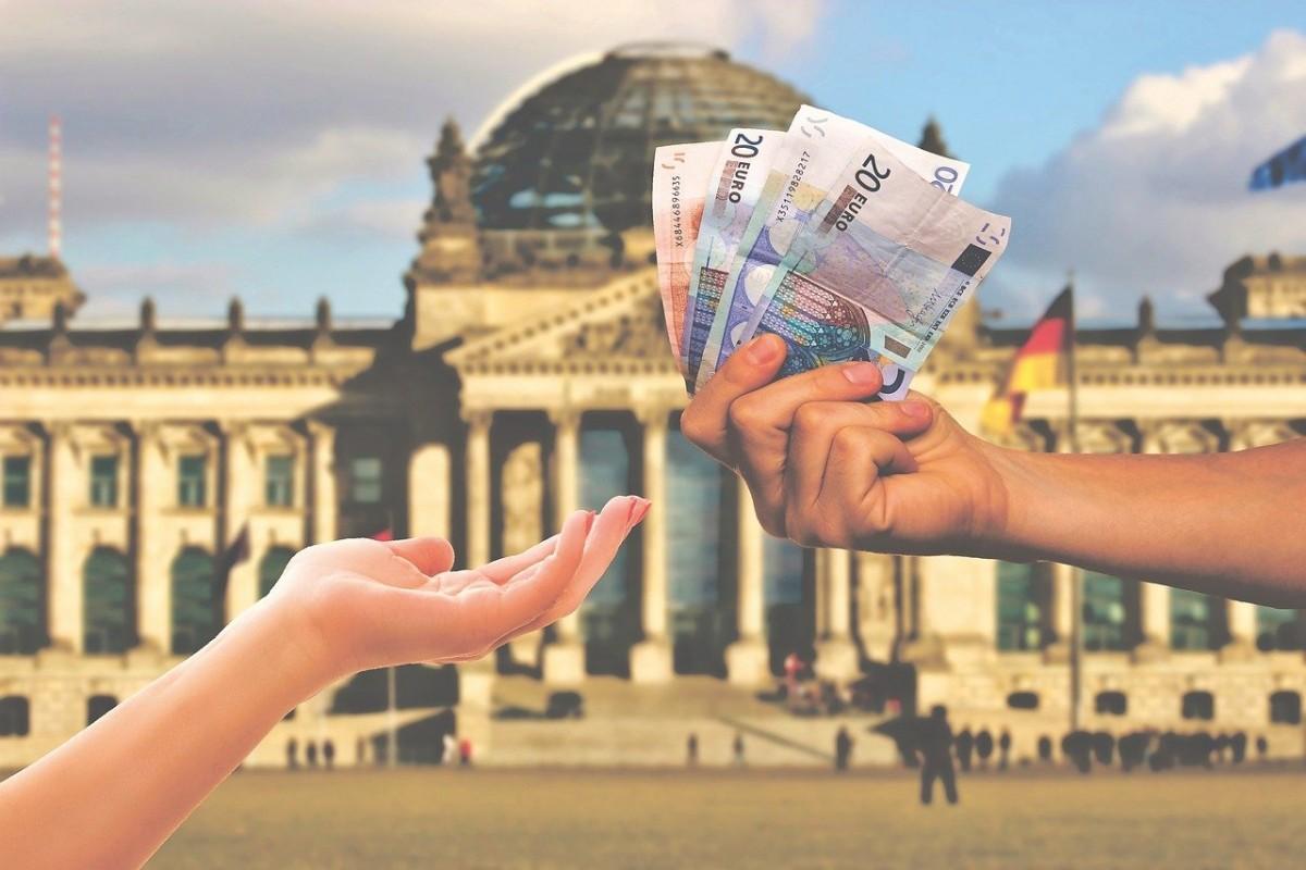 Türkiye'de evi olup yıllarca yardım alan çifte 133 bin Euro para cezası