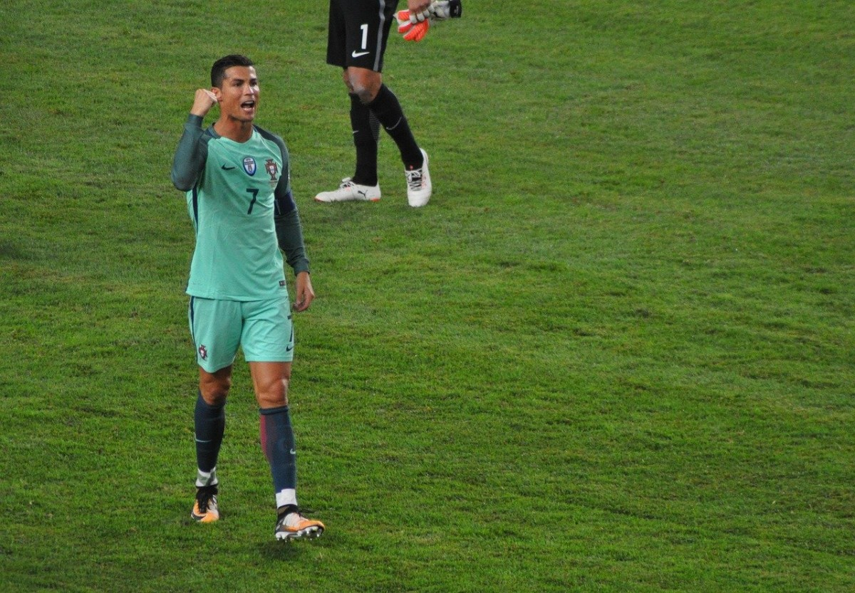 Cristiano Ronaldo EURO 2020'de tarihe geçti