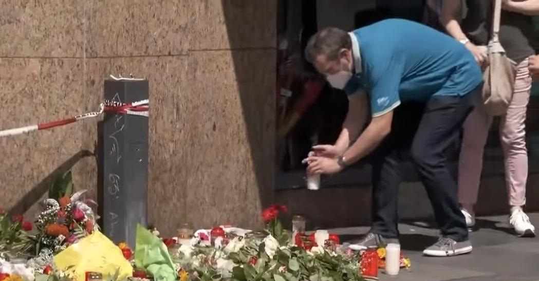 Würzburg'da bıçaklı saldırıda hayatını kaybeden 3 kişi anıldı