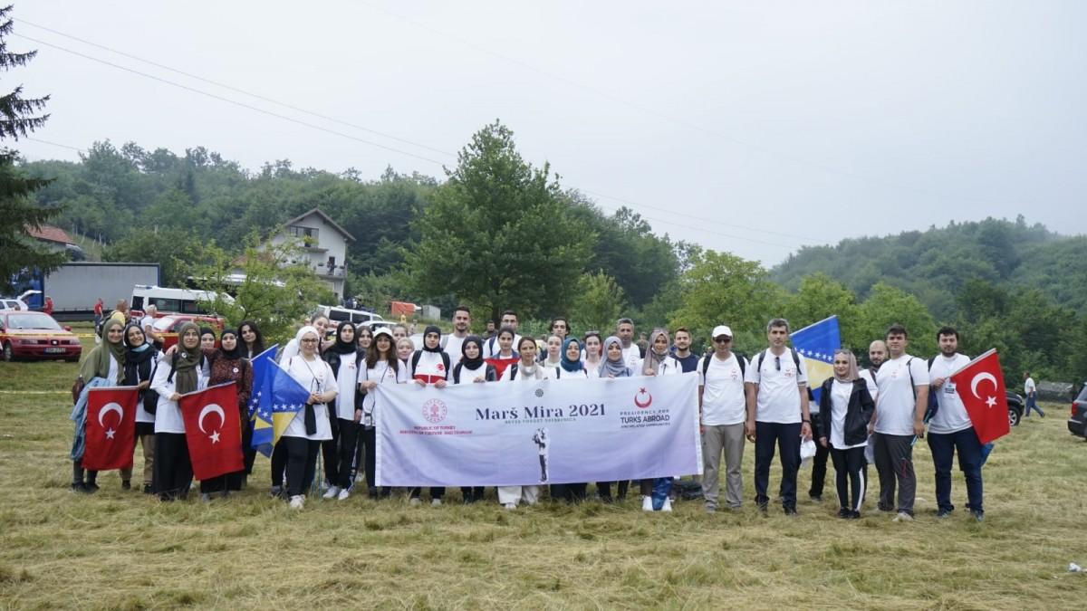 Genç Hukukçular Srebrenica'da Barış Yürüyüşüne Katıldı