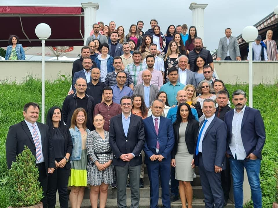 Başkonsolos Öner, 56 Türk Öğretmeni Vatana Uğurladı