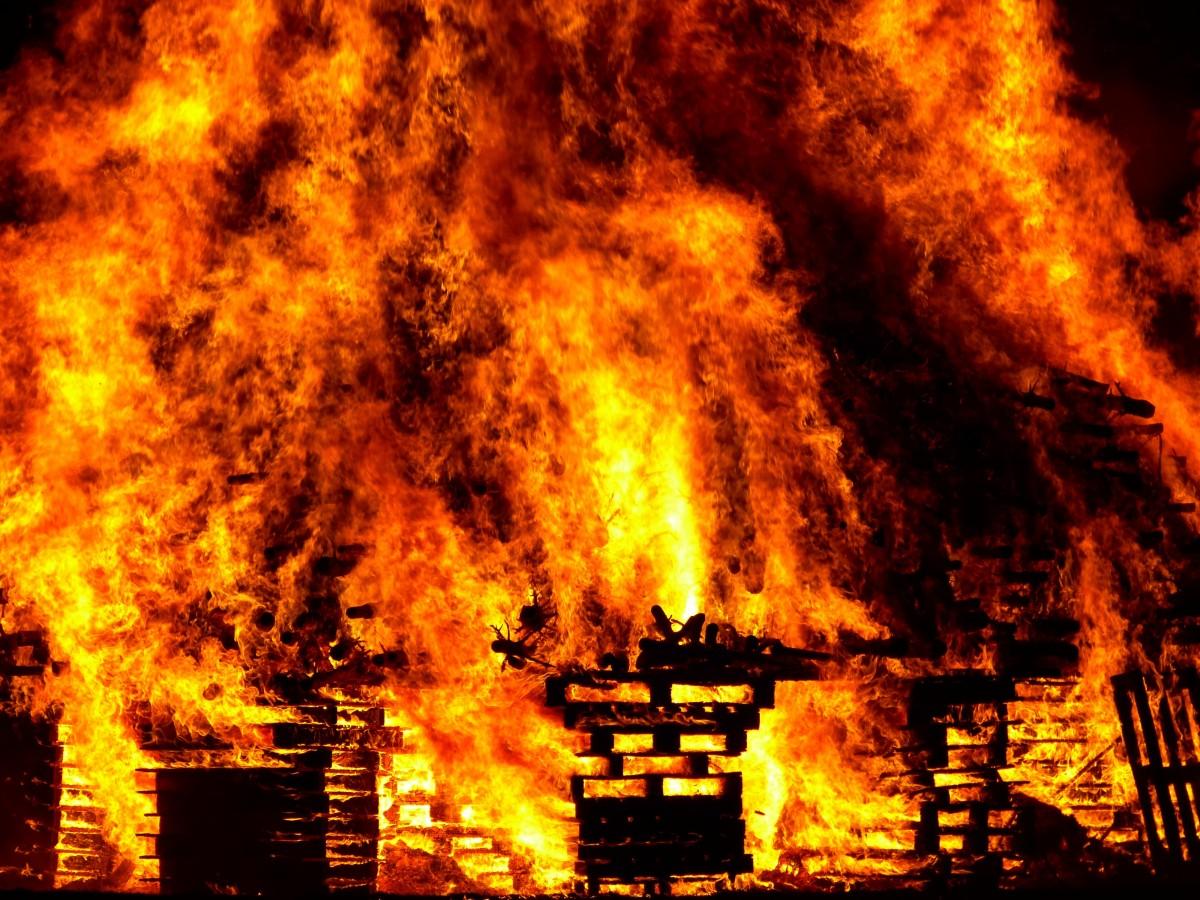 Akdeniz ve Ege'de 80 Ayrı Yangın, 4 Ölü