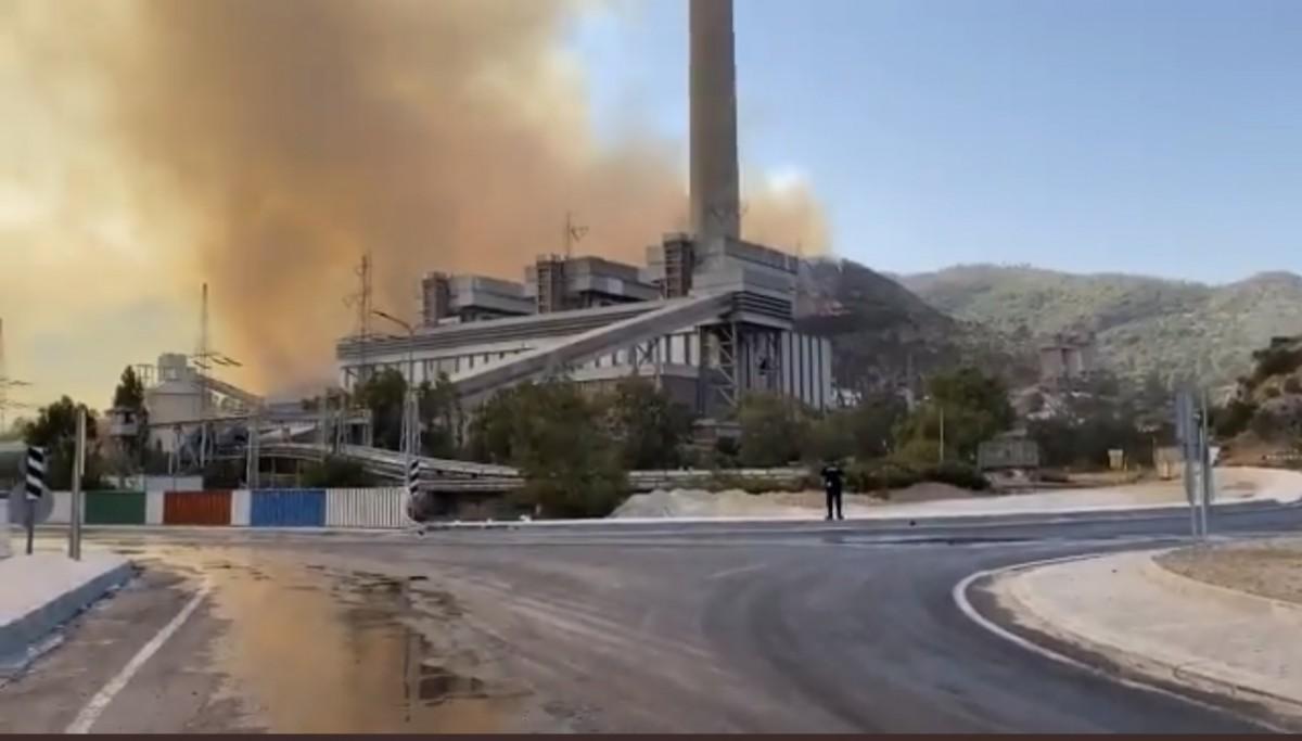 Yangın, Termik Santrali'nin Duvarında Durduruldu