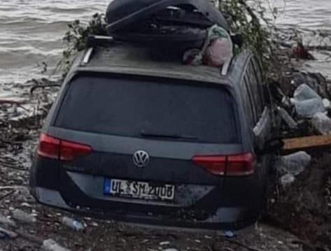 Engelli Gurbetçinin Arabası Sinop'ta Sele Kapıldı