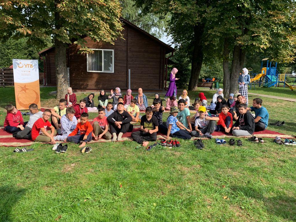 YTB Minik ve Gençleri Belarus'da Yaz Kampında Buluşturdu