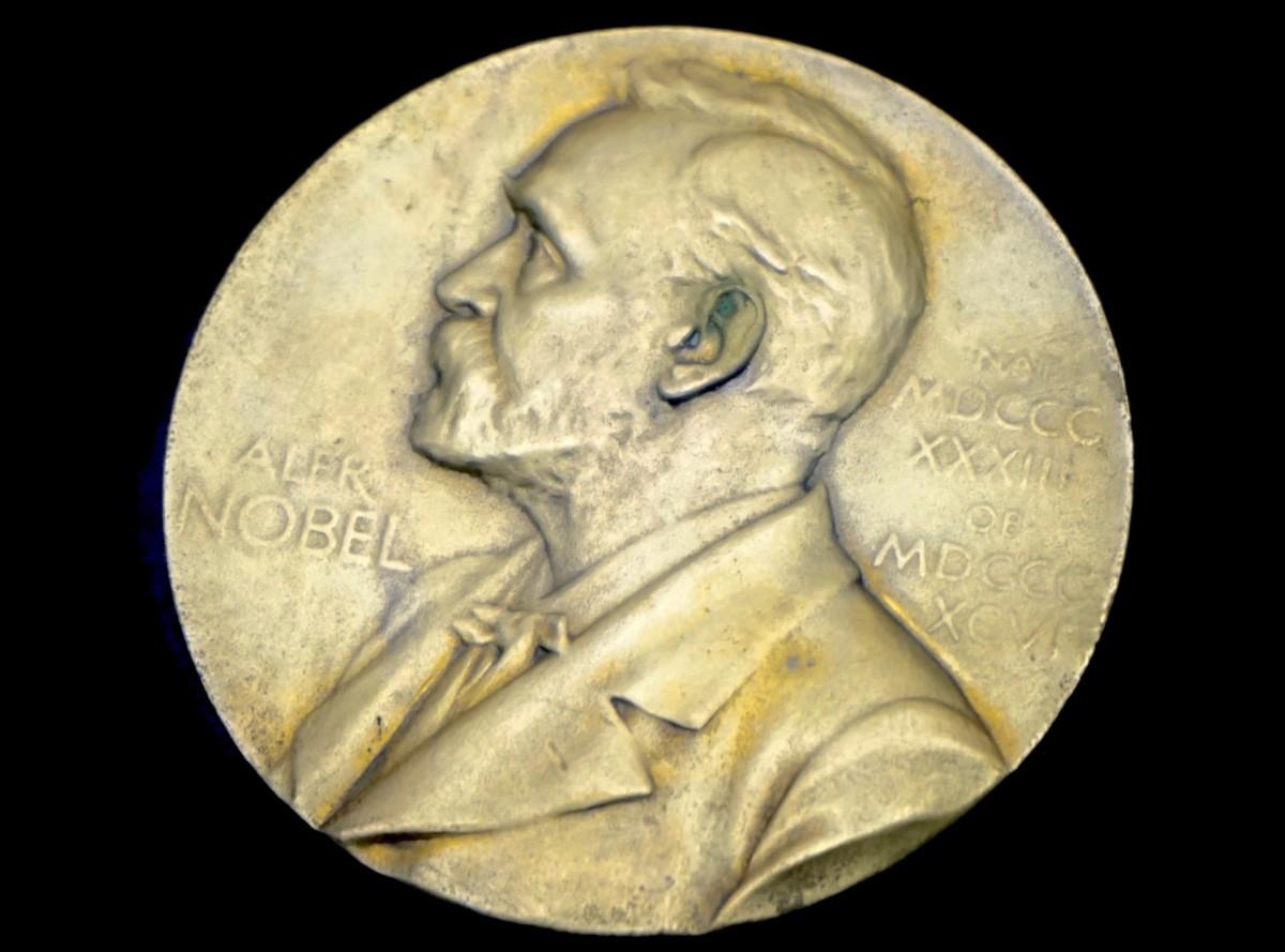 Mülteciler Konusunda Yazan Gurnah Nobel Kazandı