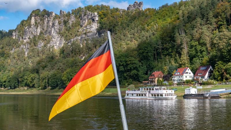 Almanya ülkeye seyahat etmek isteyenler için yeni kararlarını açıkladı