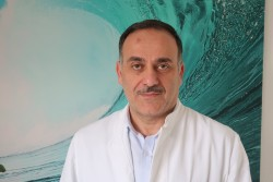 Dr. med. Arslan İpek